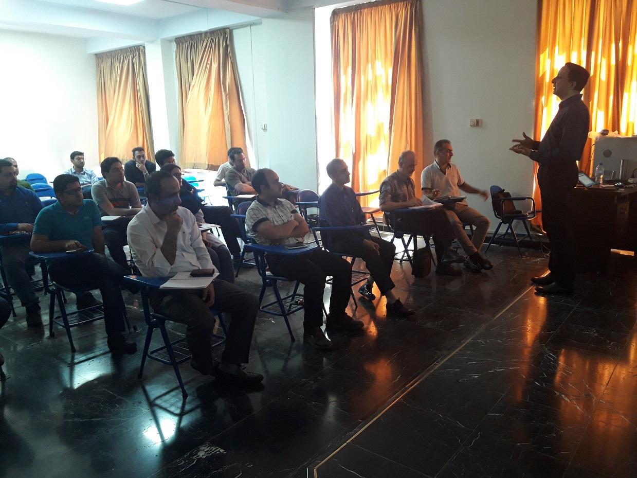 جلسه دوازدهم دوره جامع آموزش کاربردی دانش و فناوری خلأ  برگزار شد
